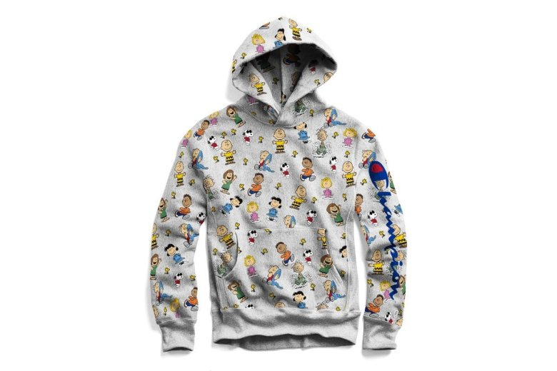2018-11_gq_chapions-x-peanuts-peanuts-all-over-hoodie-3x22335832996002253216.jpg